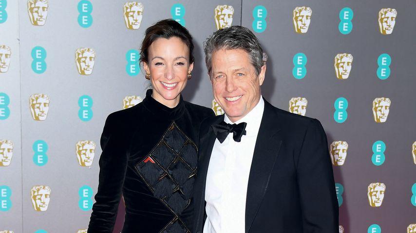 Ulkig: Deswegen soll Hugh Grant seine Frau geheiratet haben