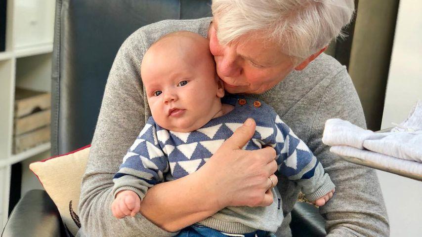Anna-Maria Zimmermanns Sohn Matti mit seiner Oma