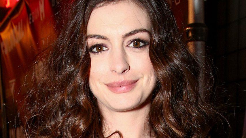 Anne Hathaway verletzt Mann am Set