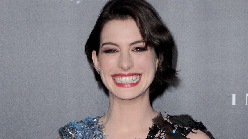 Nanu?! Anne Hathaway ist stolzer Promi-Zwilling