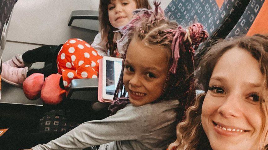 Anne Wünsche mit ihren Töchter Juna und Miley