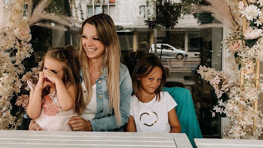 Anne Wünsche mit ihren Töchtern