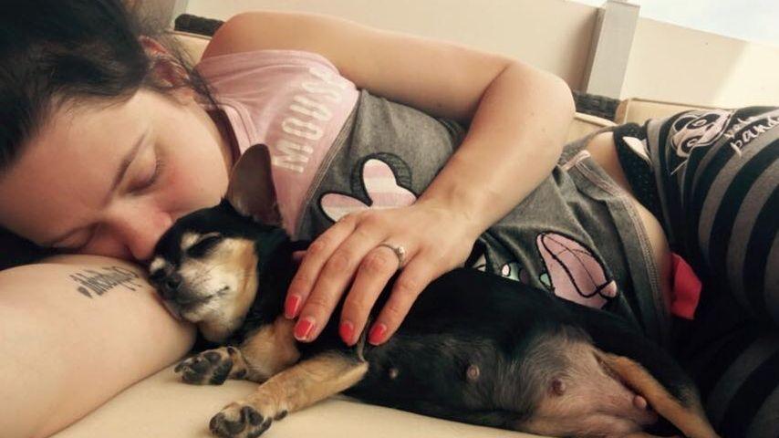 Nach Tot-Geburt: Anne Wünsches Hündin erholt sich langsam
