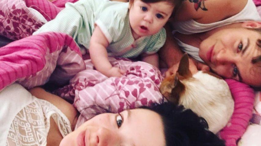 Anne Wünsche mit Tochter Juna und ihrem Verlobten