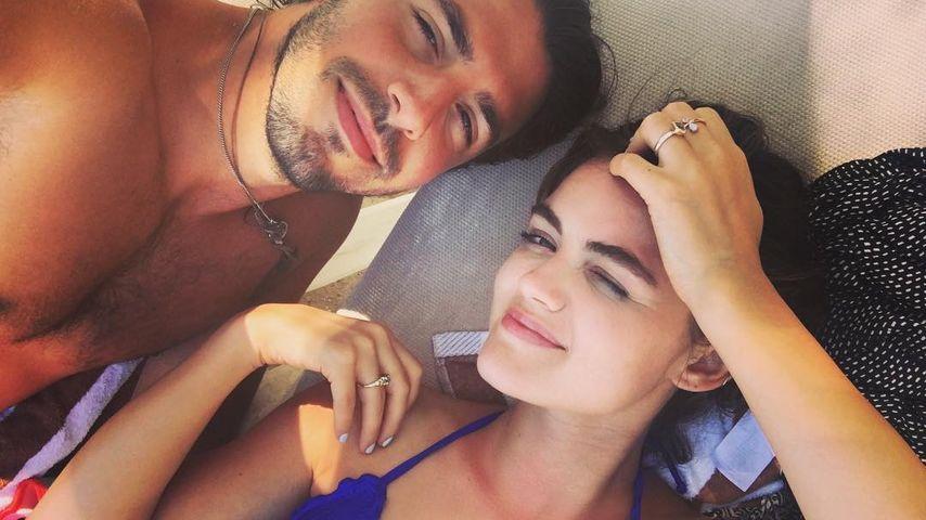 Love-Pic: Lucy Hale beim verliebten Sonnenbad mit Anthony