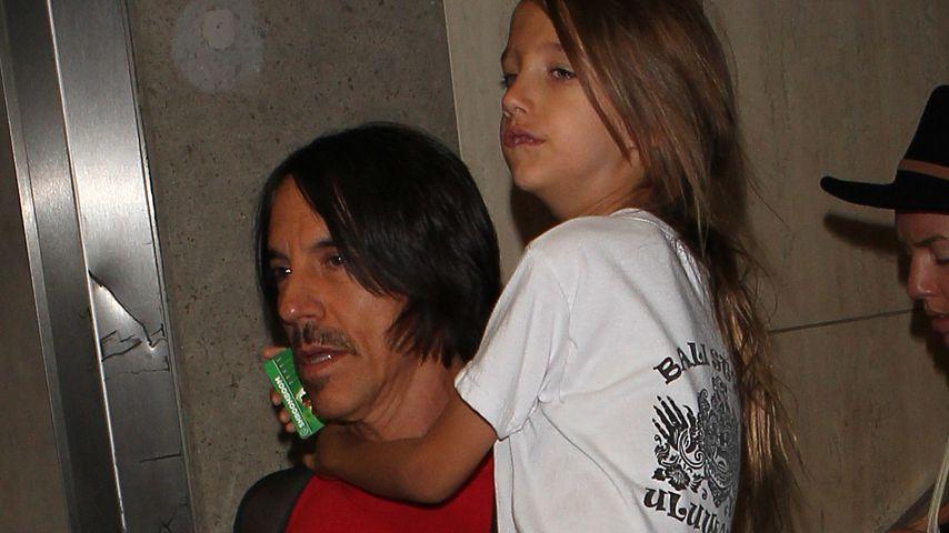 Anthony Kiedis und sein Sohn Everly Bear