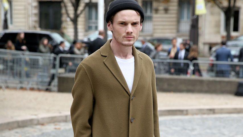 Anton Yelchin unterwegs in Paris im Jahr 2015