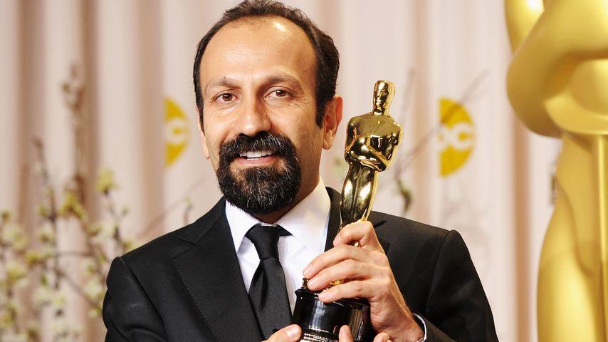 Asghar Farhadi mit seinem Oscar bei der Preisverleihung 2012