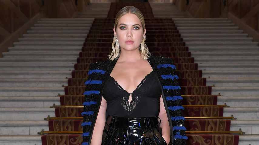 Ashley Benson bei der Balmain Fashionshow