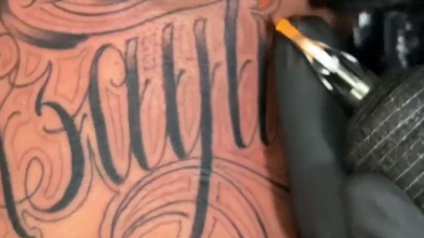 Ashley Cains Tattoo in Ehren seiner Tochter