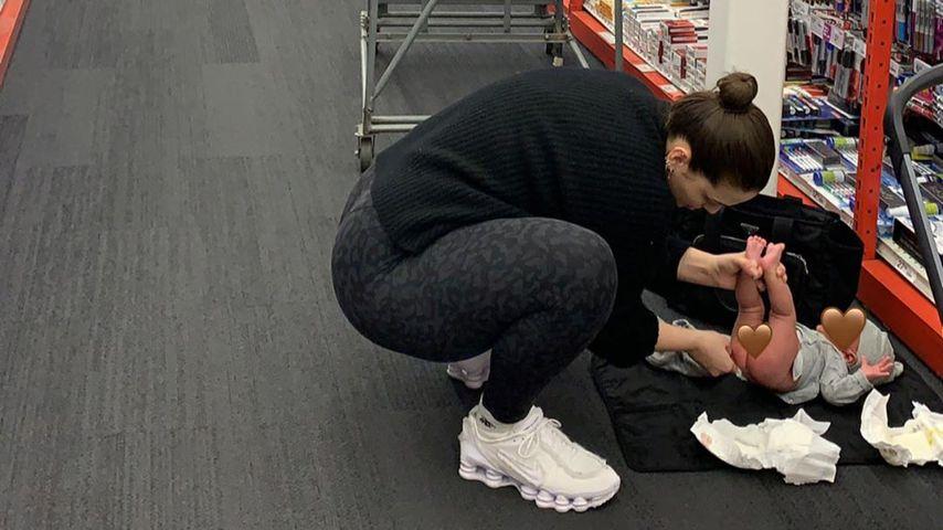 Ashley Graham mit ihrem Sohn, Februar 2020