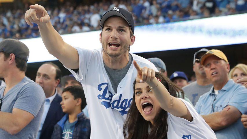 Ashton Kutcher und Mila Kunis bei einem Baseballspiel in Los Angeles