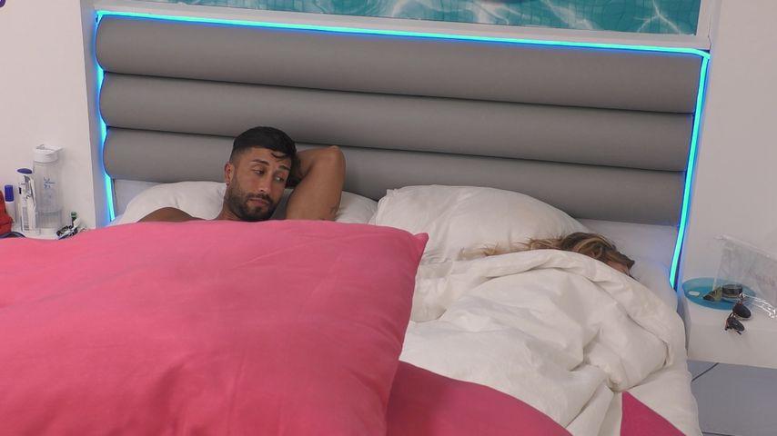 """Babak und Natascha im """"Love Island""""-Schlafzimmer"""