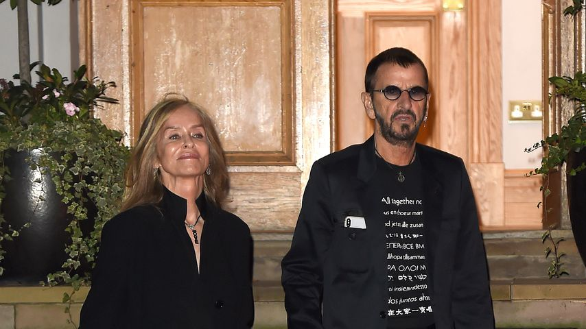 Barbara Bach und Ringo Starr vor den Abbey Road Studios im September 2019