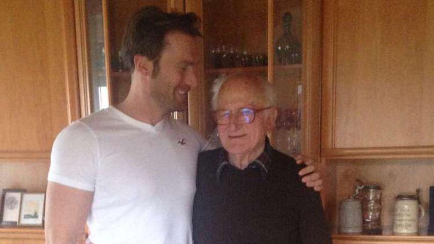Bastian Yotta mit seinem Opa