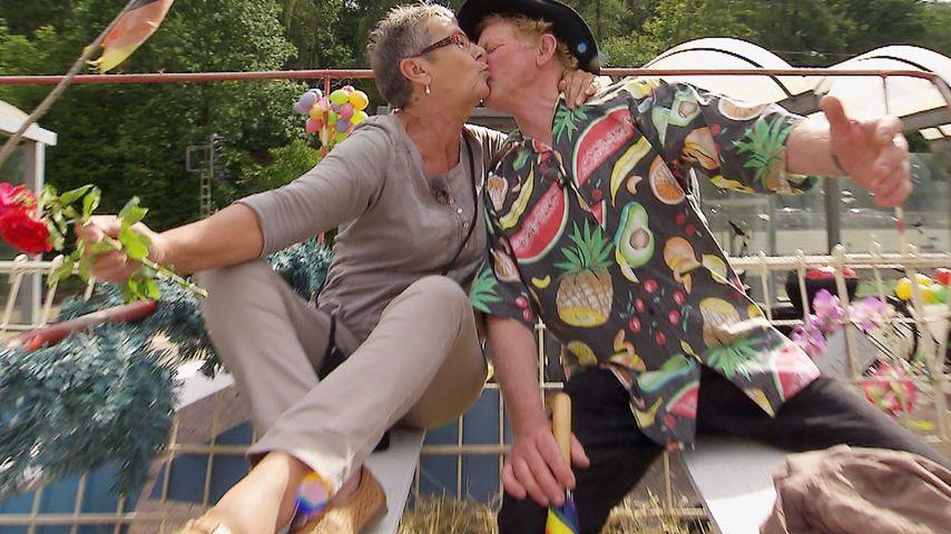 """""""Bauer sucht Frau"""": 1. Küsse beim Scheunenfest"""