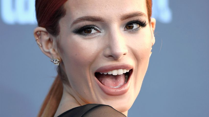 Bella Thorne bei den Critics' Choice Awards in Santa Monica 2016