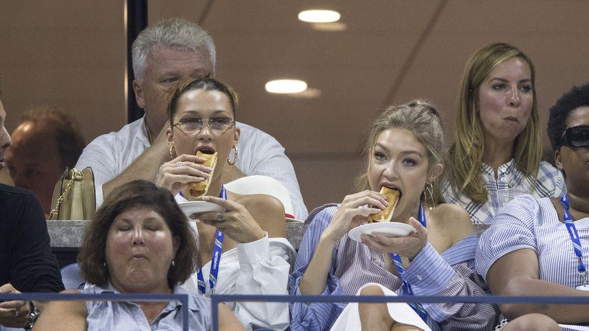 Von wegen Diät! Bella und Gigi Hadid gönnen sich Fast Food!