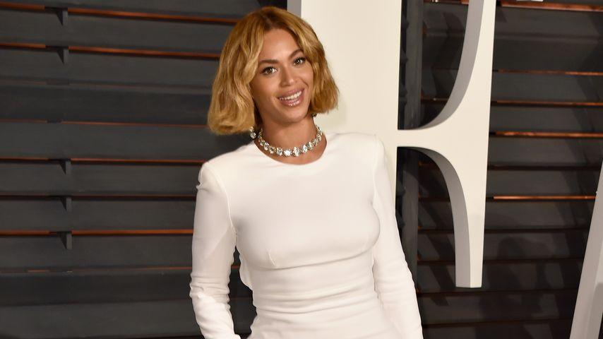 Ach ja? Beyoncé langt bei Fast Food kräftig zu!