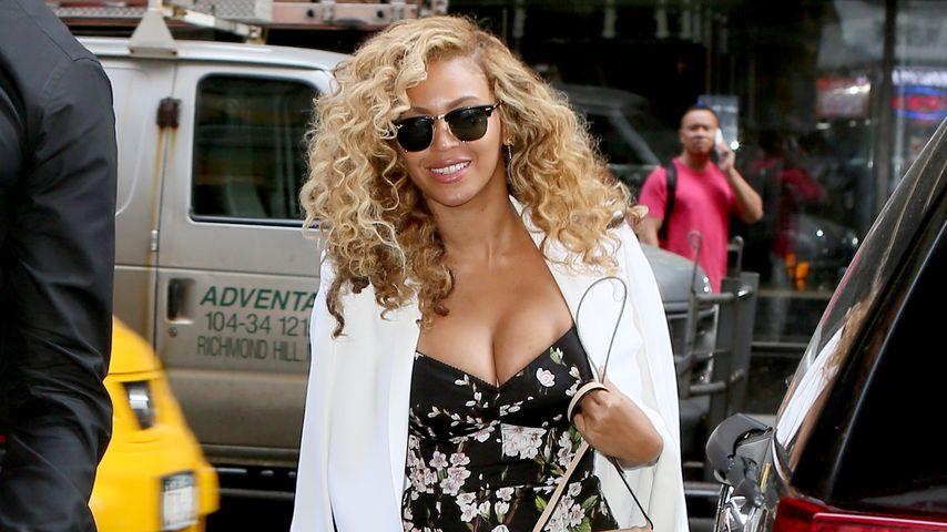 Dekolleté-Wow! Beyoncé zeigt ihren Pracht-Vorbau