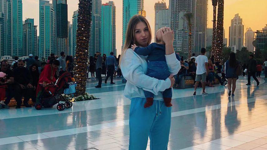 Bibi Claßen mit ihrem Sohn Lio, 2019