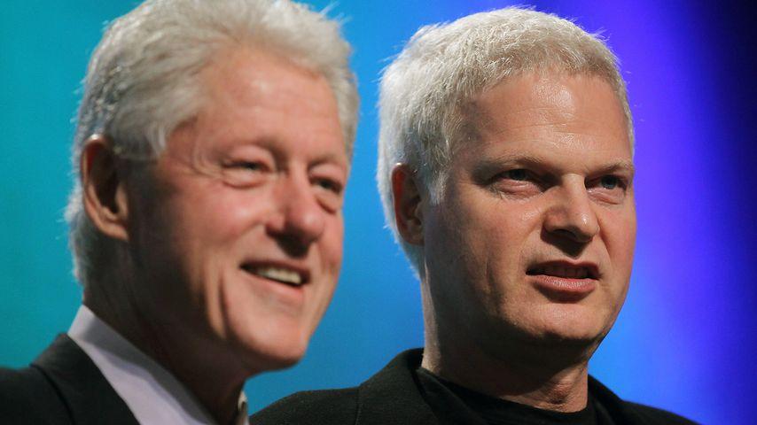 Bill Clinton und Steve Bing im September 2010