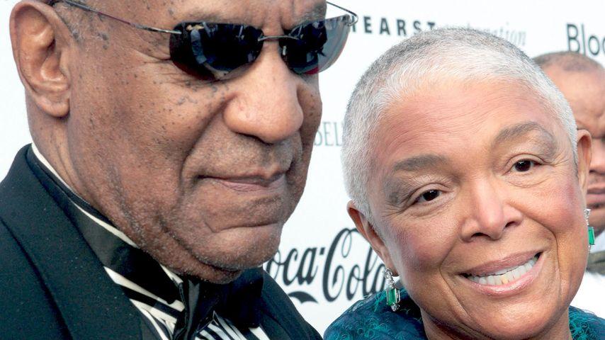 Trotz 53 Jahren Ehe: Bill Cosbys Frau fehlt bei Prozess!