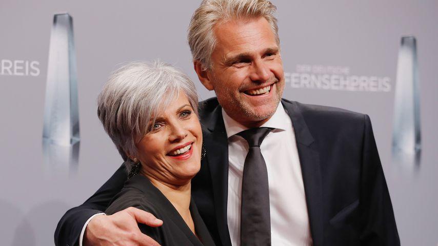 Birgit Schrowange und ihr Lebensgefährte Frank Spothelfer beim Deutschen Fernsehpreis 2018