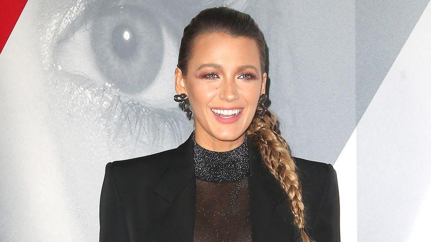 Angst vor Busen-Blitzer: Blake Lively bei Premiere verwirrt!