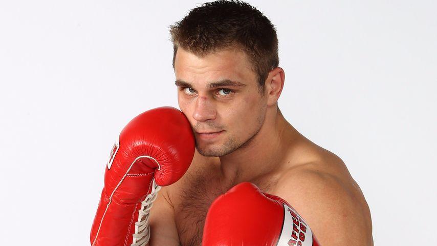 Schwer verletzt! Profi-Boxer Boizow im Gleisbett gefunden