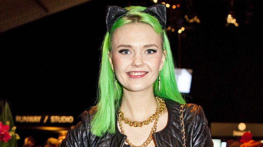 Bonnie Strange: Darum sind die Haare jetzt grün