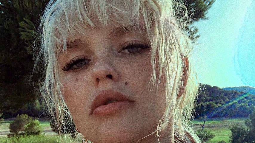 Bonnie Strange, Model