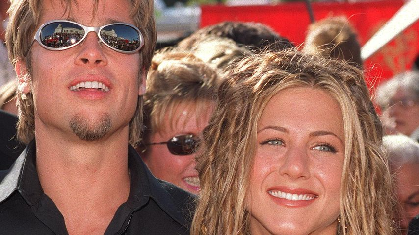Brad Pitt und Jennifer Aniston bei den Emmy Awards 1999
