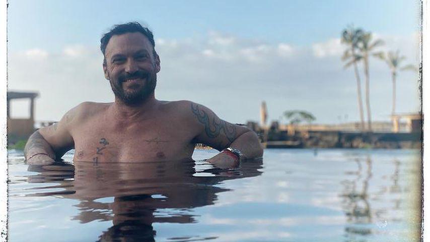 Schauspieler Brian Austin Greene im Pool
