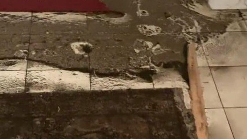 Brian Mays Keller nach der Überschwemmung