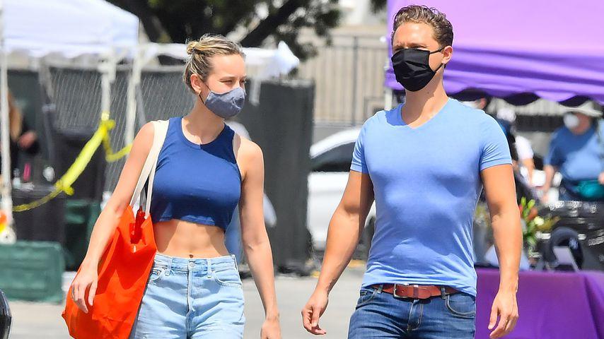 Brie Larson und ihr Freund Elijah Allan-Blitz in Malibu im Mai 2020