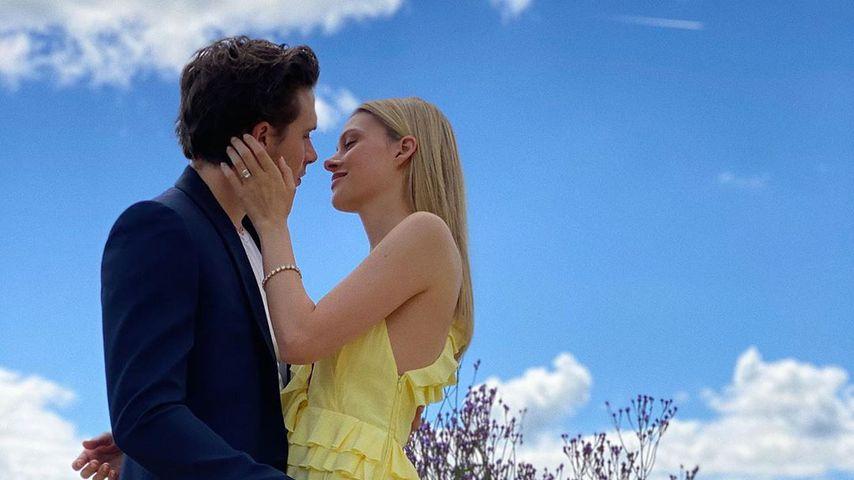 Victoria Beckham teilt neue Bilder von Brooklyns Verlobung!