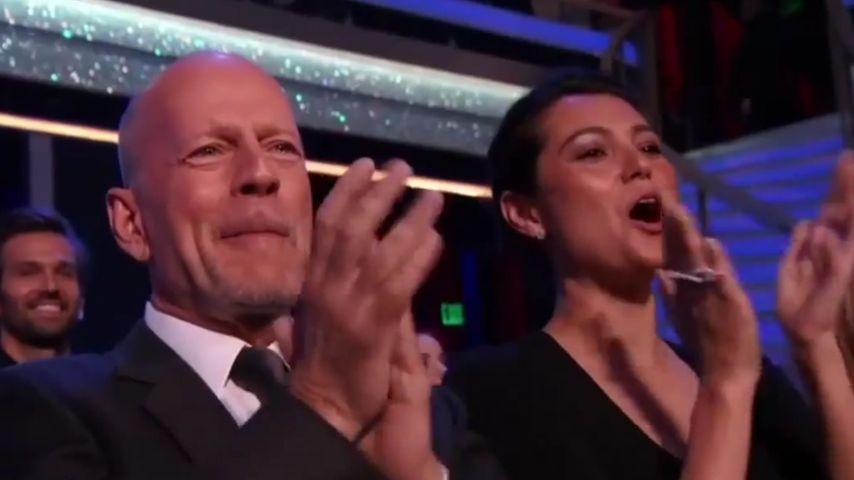 Harter Kerl ganz weich: Hier weint Bruce Willis vor Rührung