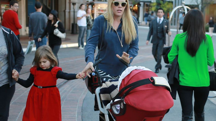 Busy Philipps: Familien-Shopping im Christmas-Look