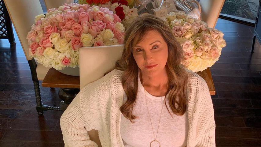 So süß gratuliert die Familie Caitlyn Jenner zum Geburtstag