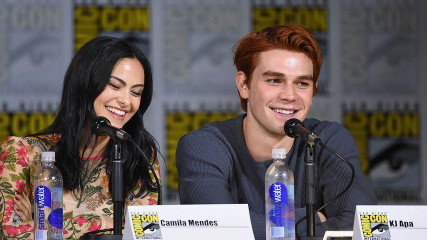 """Ronnie & Archie noch ein Paar? """"Riverdale""""-Stars verraten es"""