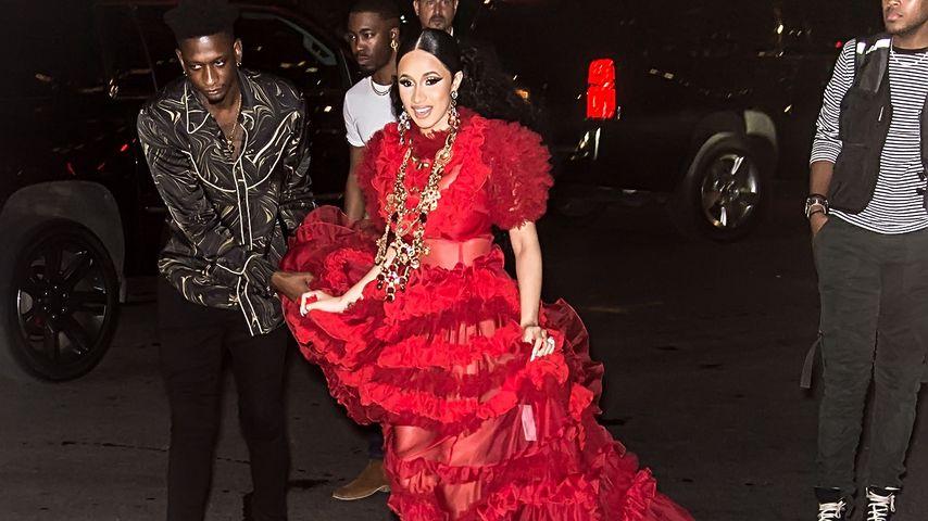 Cardi B auf dem Weg zur Harper's Bazaar Fashion Week Party
