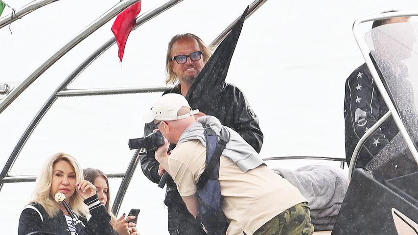 Carmen Geiss mit Robert und Tochter Davina Shakira in Venedig auf einem Boot im Jahr 2020