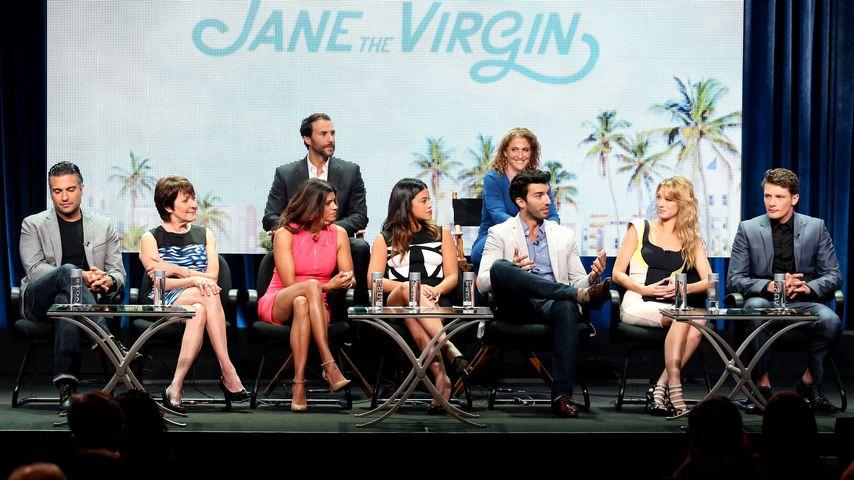 """Jane the Virgin""-Cast"