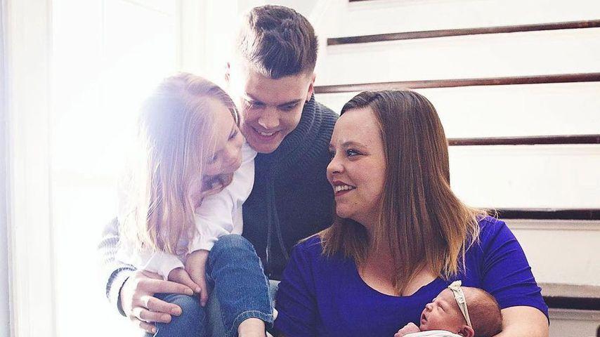 Catelynn Lowell und Tyler Baltierra mit zwei Töchtern im Juni 2019