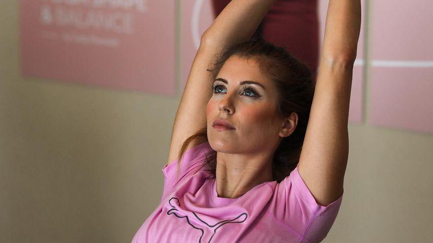 Cathy Hummels beim Yoga