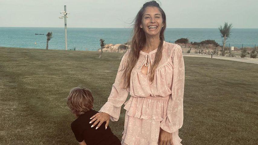 Cathy Hummels mit ihrem Sohn Ludiwg