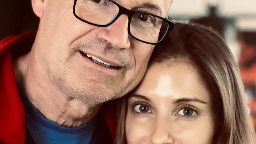 Cathy Hummels (r.) mit ihrem Vater