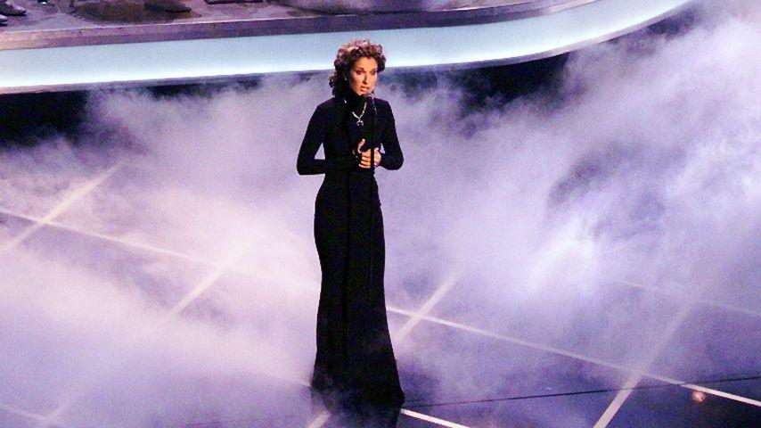 """Celine Dion bei ihrem Oscar-Auftritt von """"My Heart Will Go On"""" 1998"""