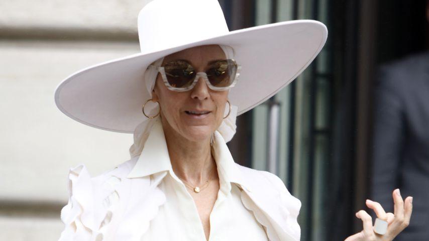 Celine Dion vor ihrem Hotel in Paris